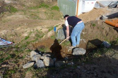 Das erste mal in der Sonne den Hausbau vorbereitet